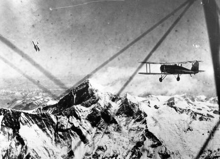 First Flight over Everest, 1933