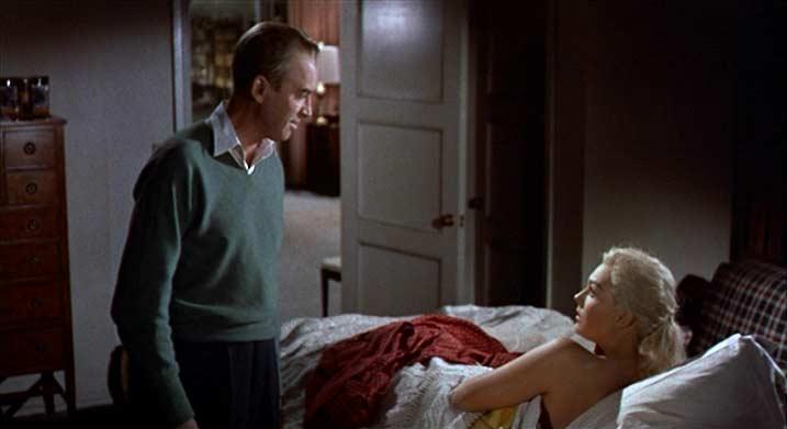 Vertigo Madeleine in bed