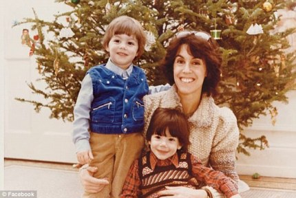 Ephron with sons Jacob (l.) and Max (front)