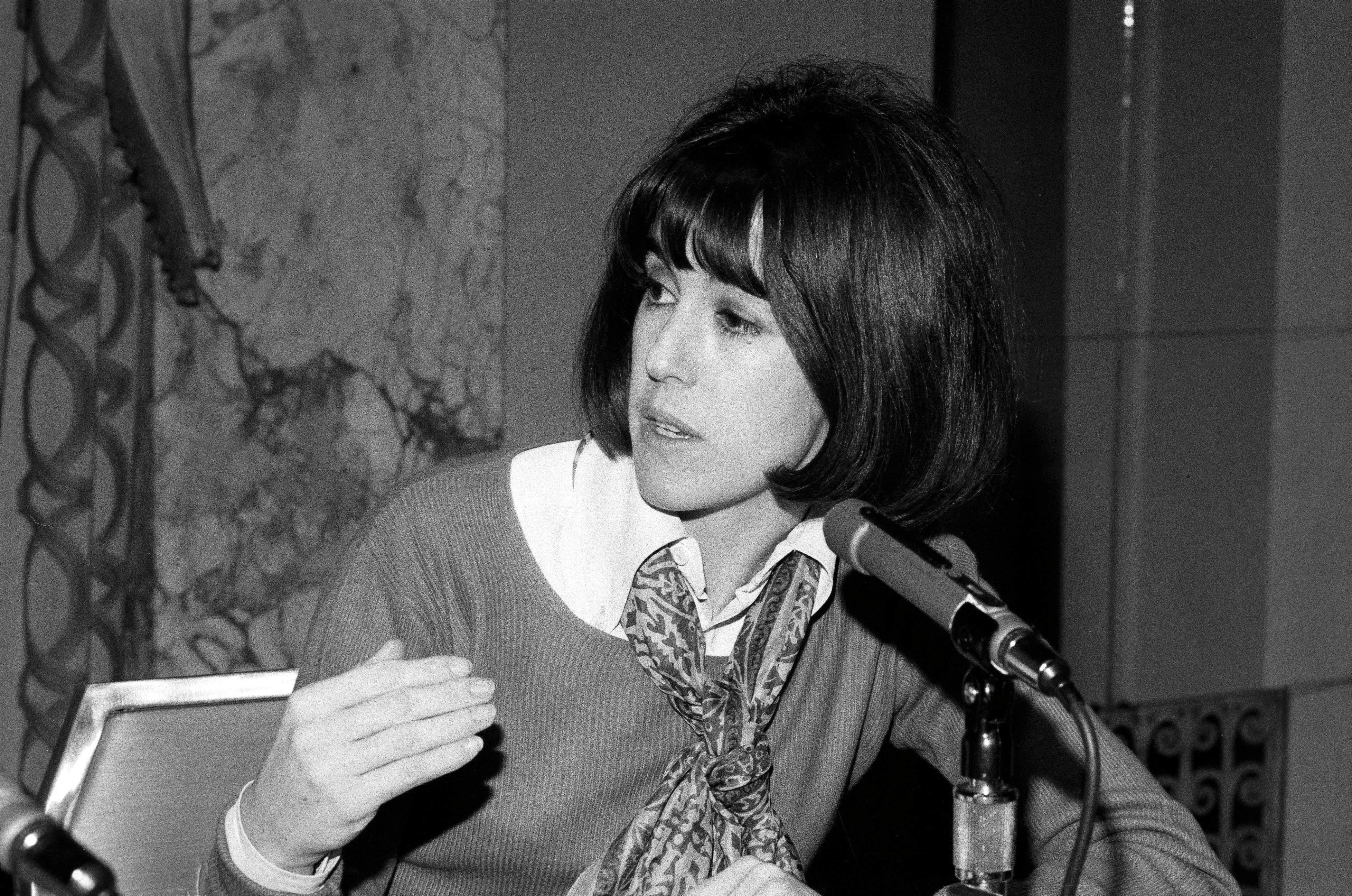 Nora Ephron dead at 71.