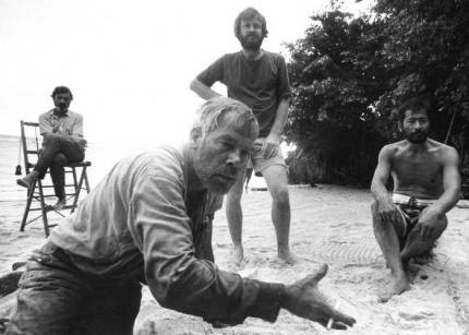 john-boorman-lee-marvin-e-toshiro-mifune-no-set-de-hell-in-the-pacific